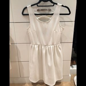 White dress with bows in the back